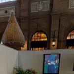 """""""Par monts et vaux"""" exposé virtuellement dans la halle de la gare de Zurich, août 2020."""